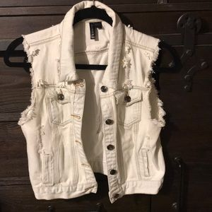 Cropped sleeveless distressed jean vest
